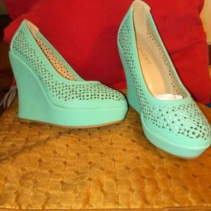 Brand new Mint Embellished Wedges. Last pair!